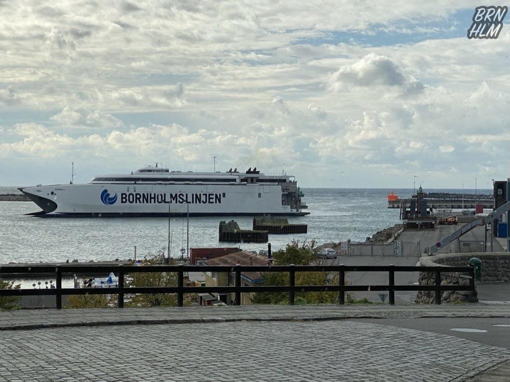 Express 1 ankommer i Rønne Havn - 2020