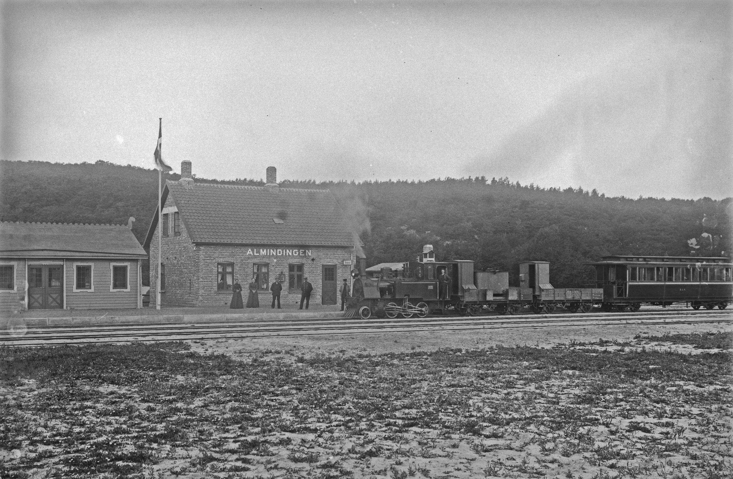 Almindingen Station