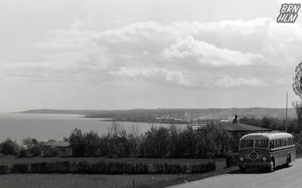 DBJ rutebil 15 ved Sandkås - 1950'erne