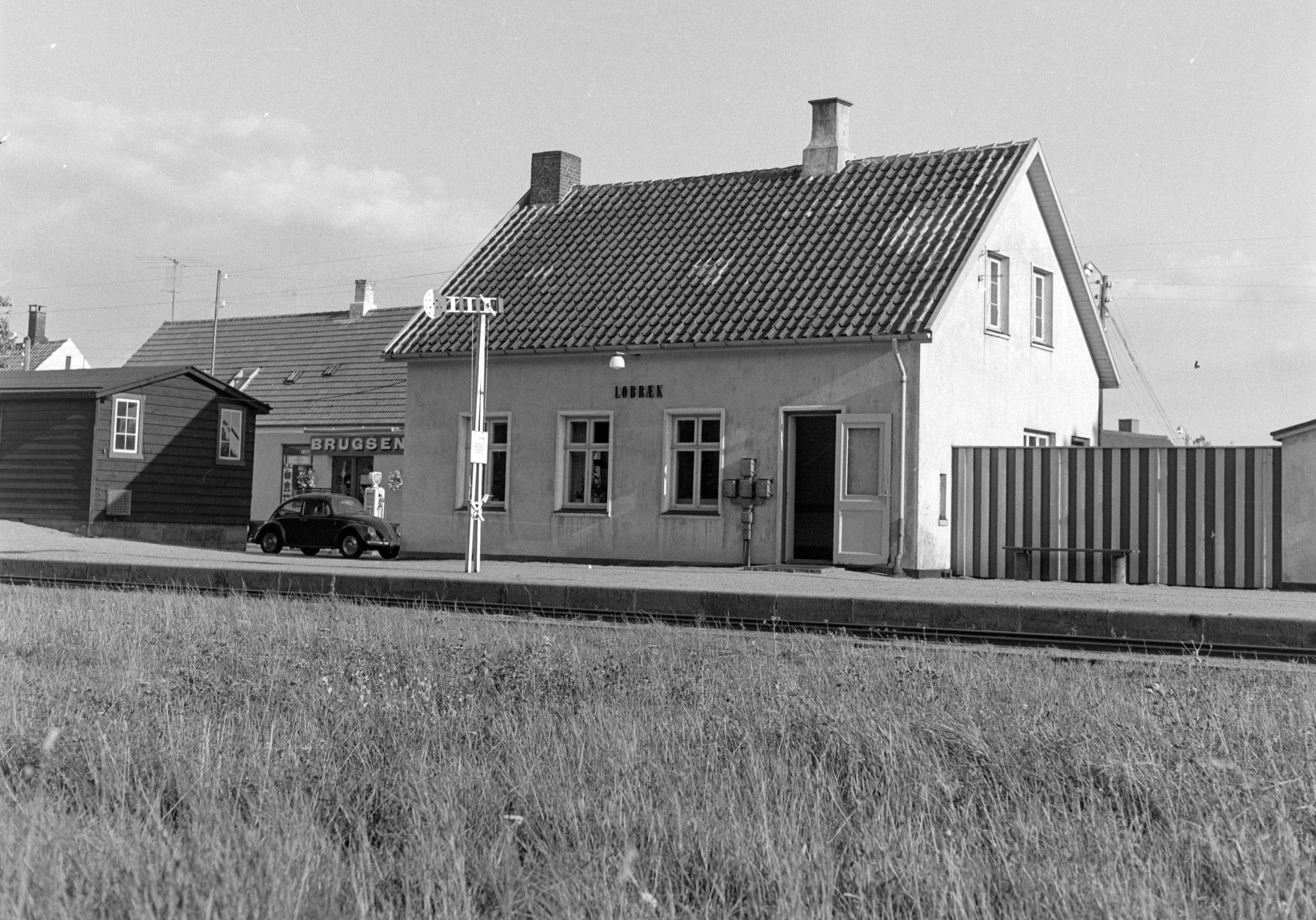 Lobbæk station, BP og Brugsforening - 1968