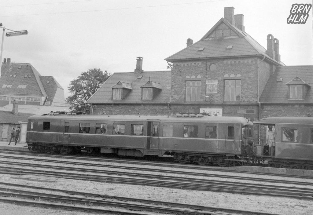 DBJs Motorvogn M3 ved Rønne H Station - 1968