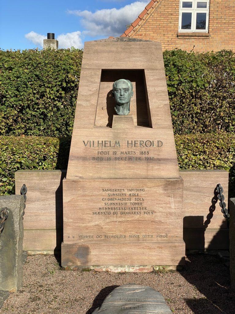 Vilhelm Herolds grav - Hasle - 2020