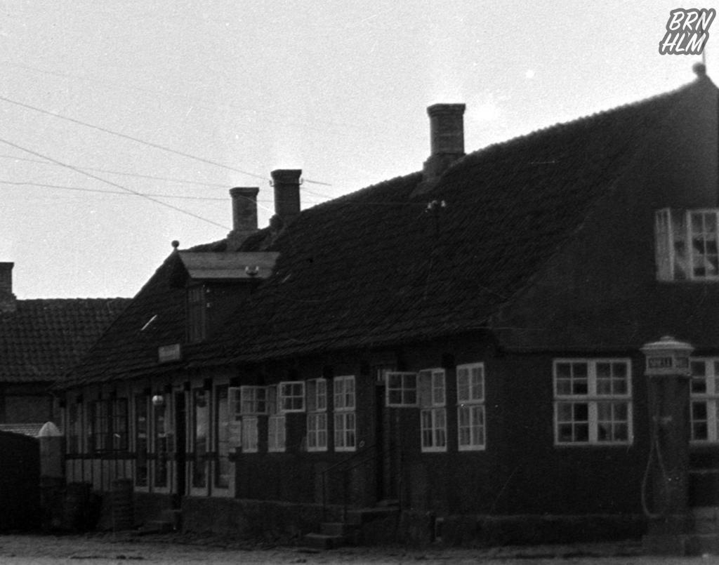 Shell standeren på Aakirkeby Torv